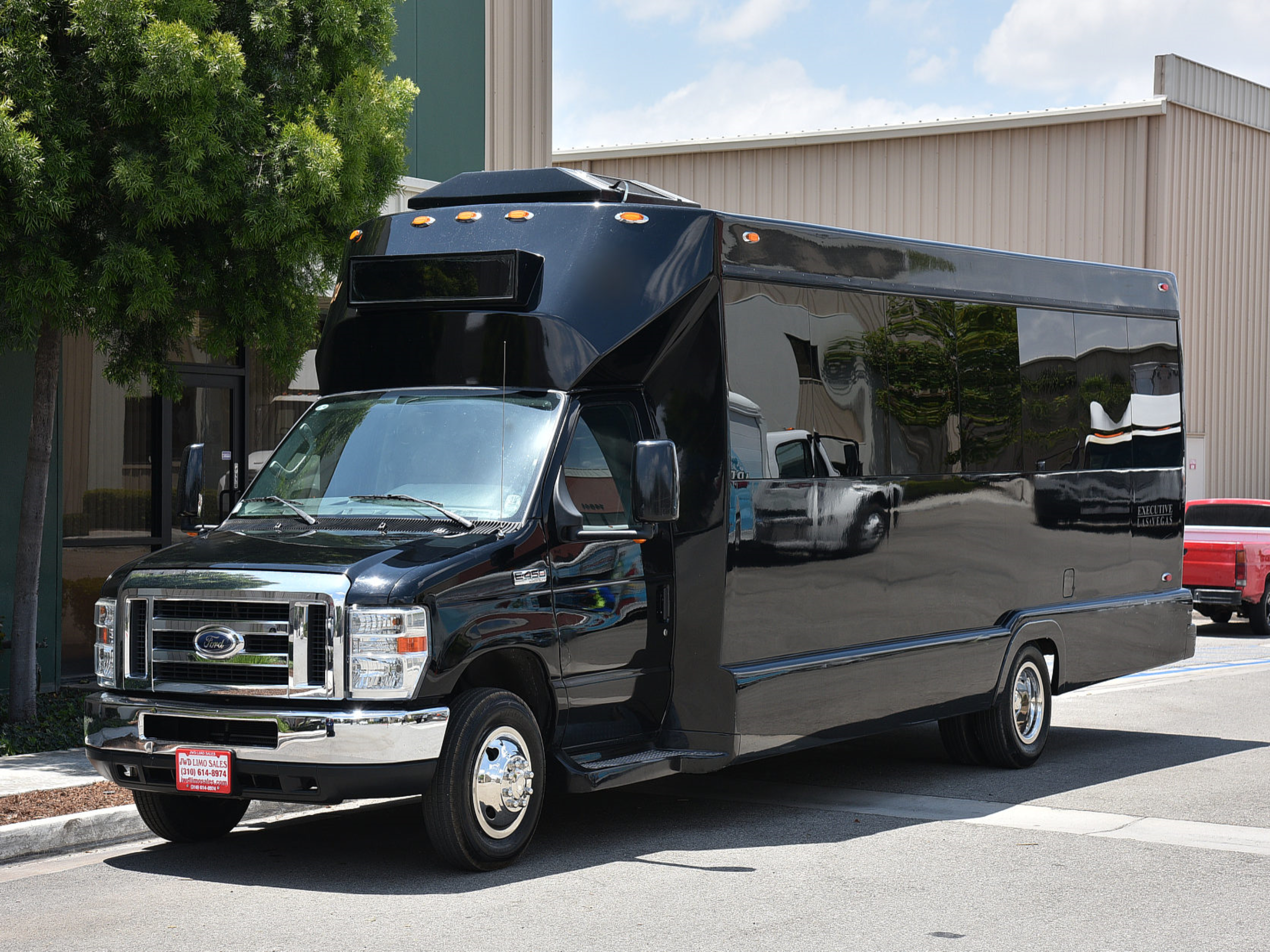 25 Passenger Party Bus Mirage Limo